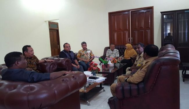 Lemtek UI Visited To South Sorong In West Papua 1